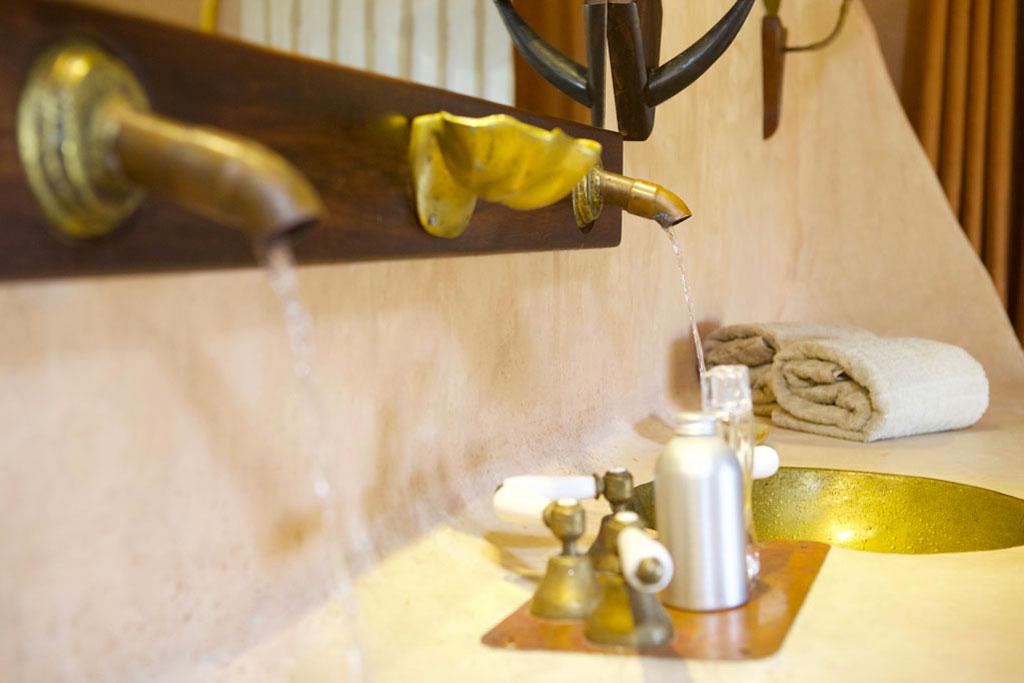 Suite TOTEMS Chambre - Bakuba hotel & lodge